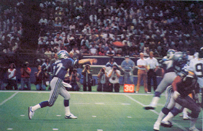Dave Krieg photo scanned from Inside the Seahawks magazine, 1986